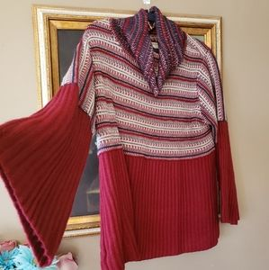 Thick cozy knit sweater w wide sleeves